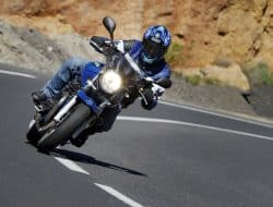 How to Corner on a Motorcycle – My Best Tips & Tricks